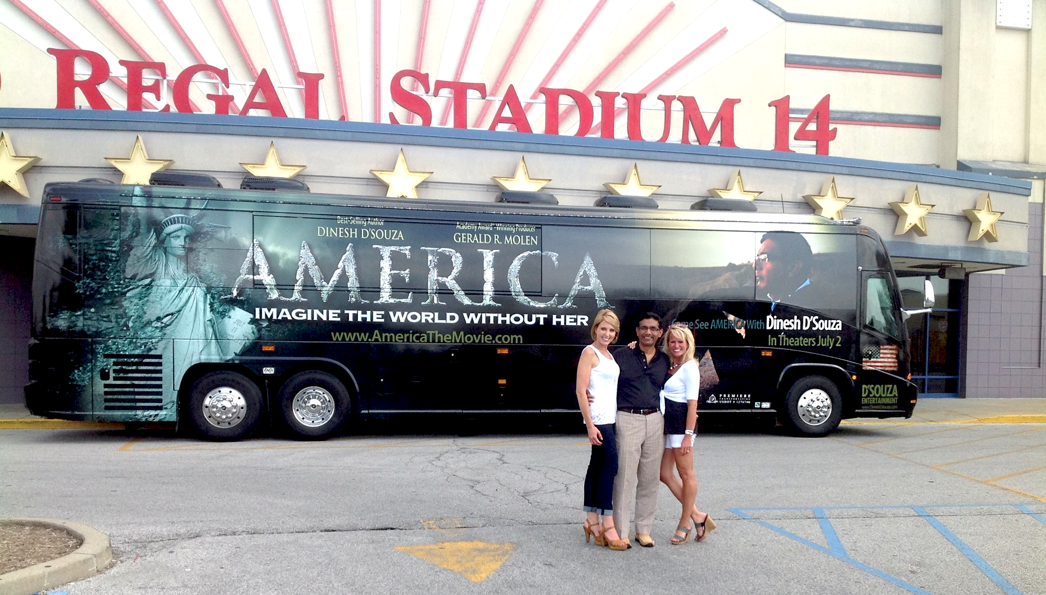 AMERICA-the-Movie-Bus